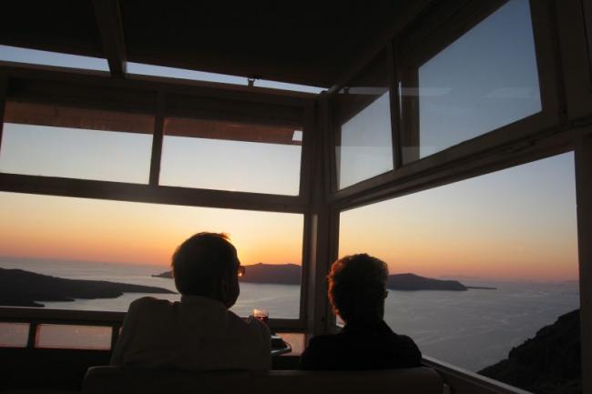 Вечер на острове Санторини