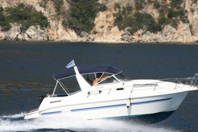Motor yachts for speed fans